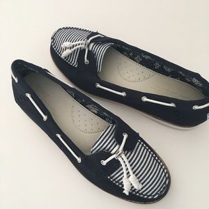 Toms Nautical Navy Stripe Boat Shoes Canvas 9.5